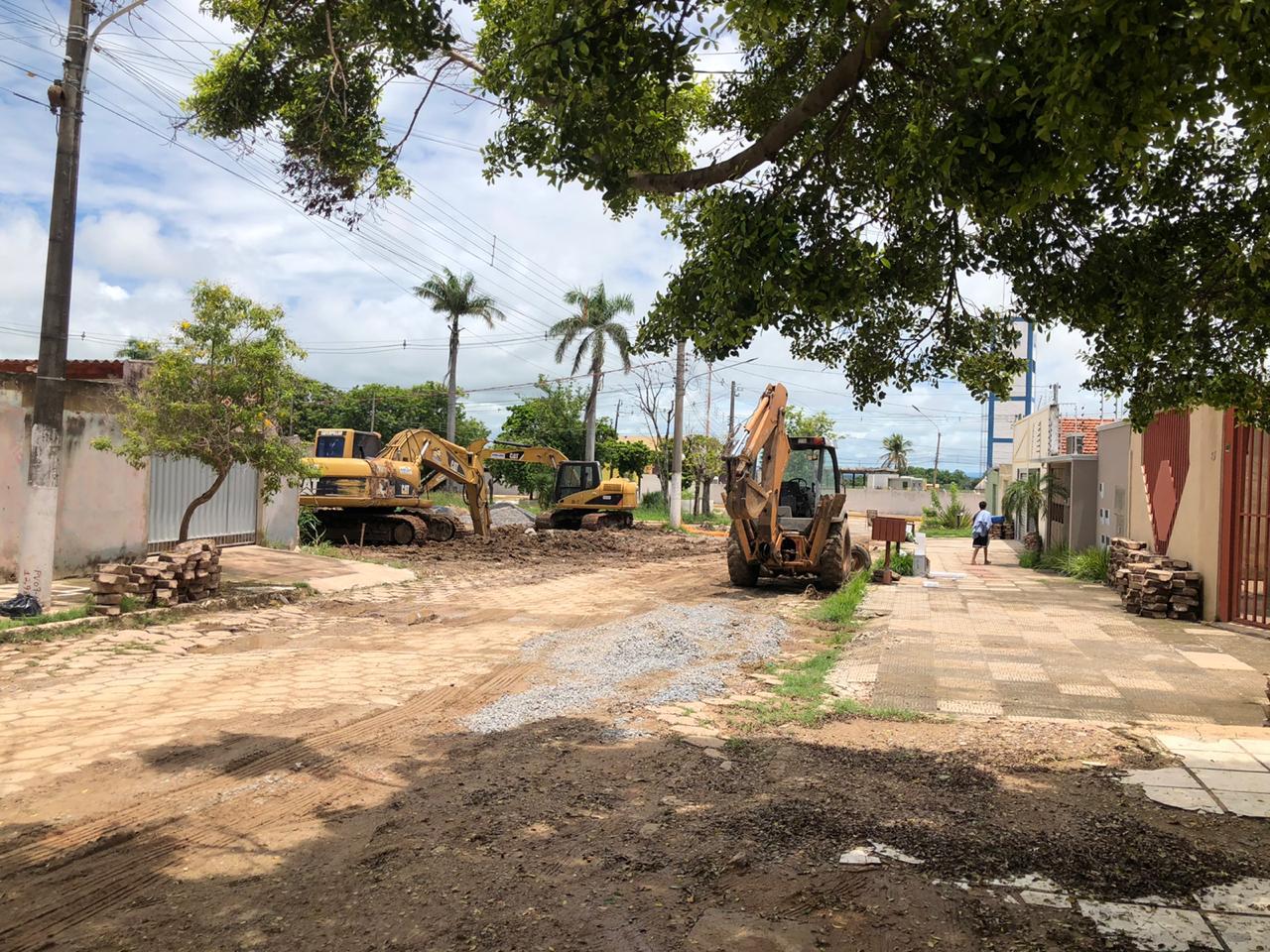 Obra que já dura seis meses em Corumbá no bairro Aeroporto