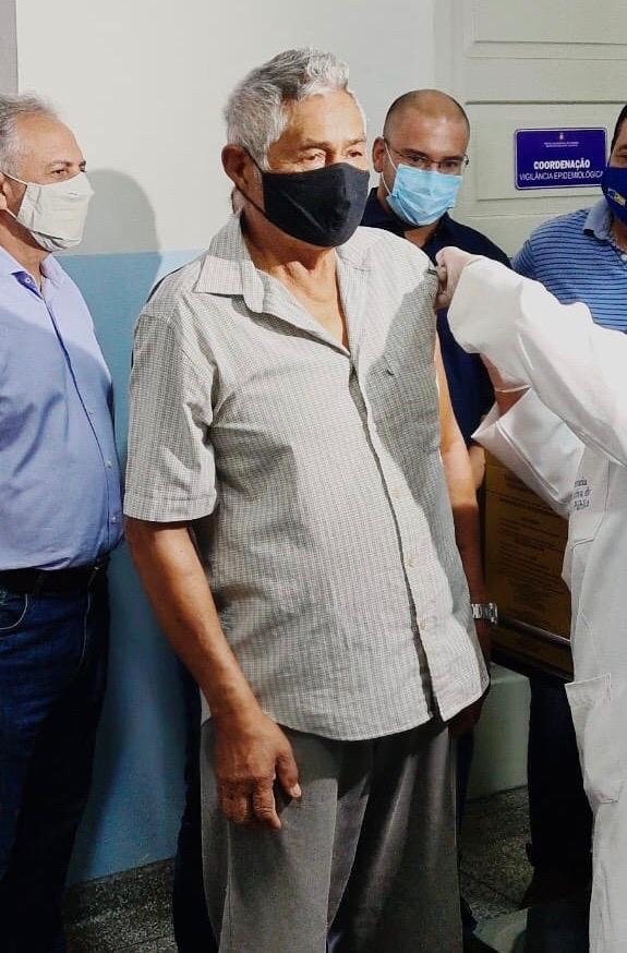 Pessoas idosas serão fazem parte do grupo da primeira fase da imunização
