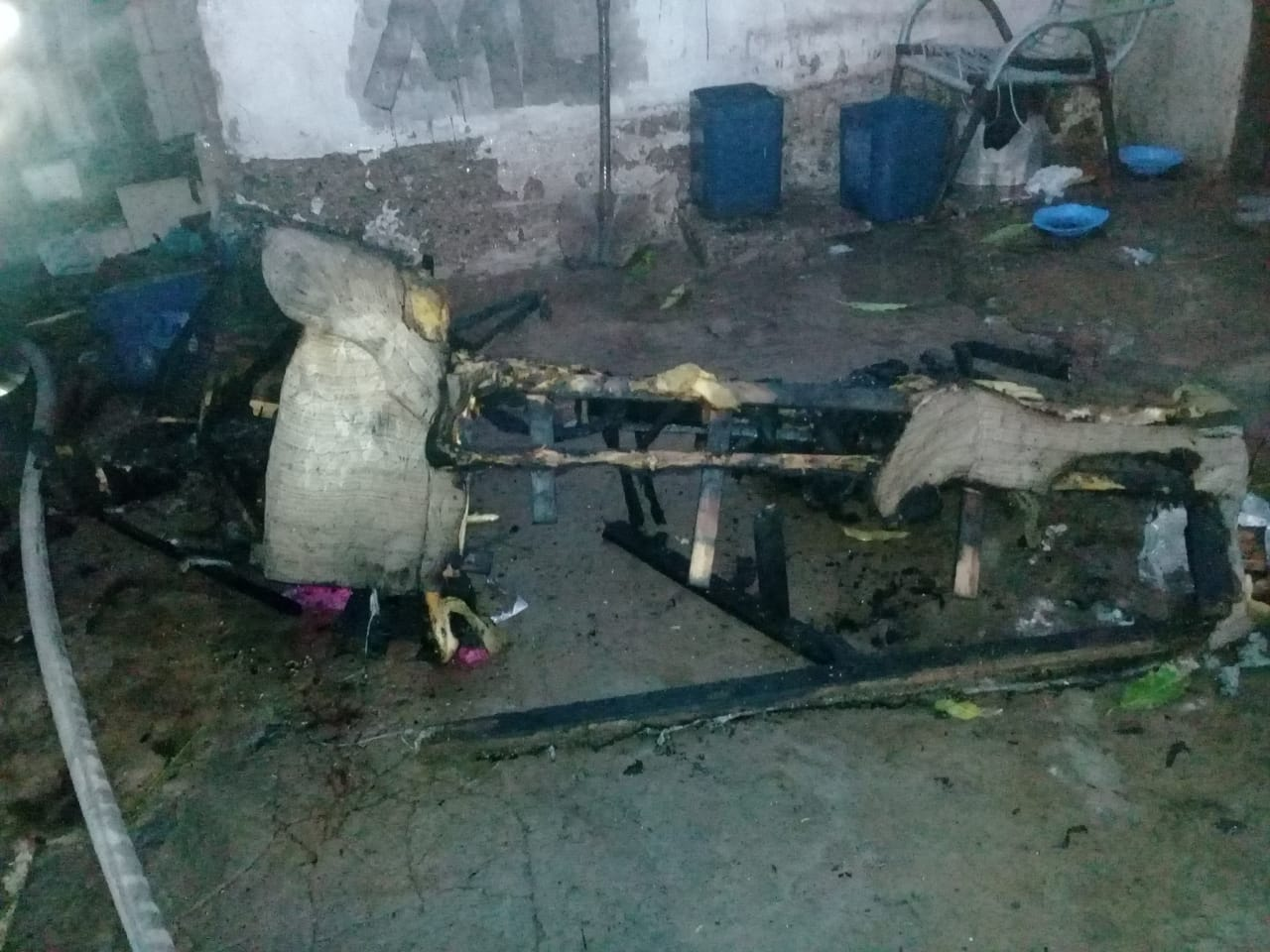 Vários objetos foram danificados pelo fogo