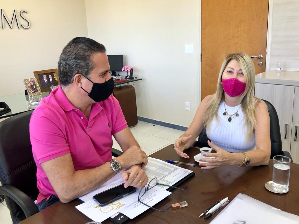 Ricardo Ayache em entrevista com a jornalista Sylma Lima