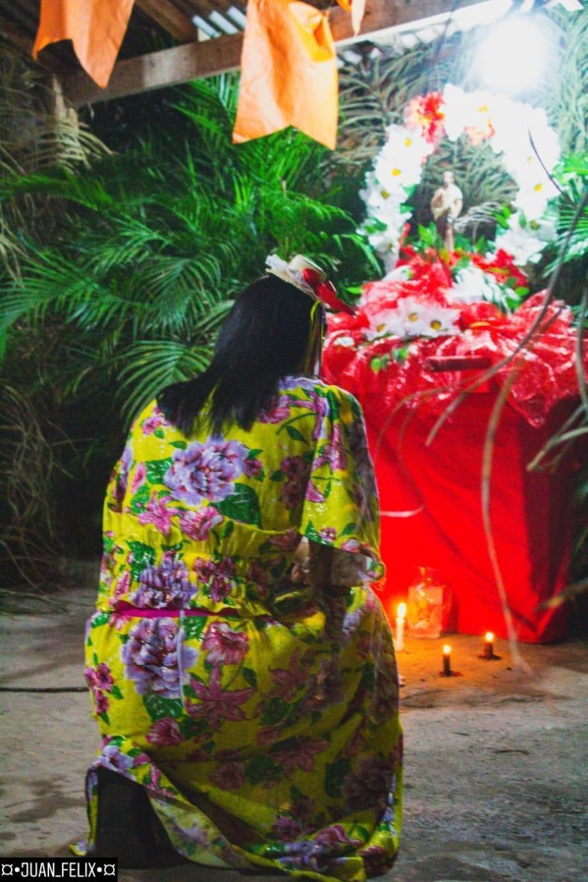 Festeira Tatiane dá continuidade aos festejos que iniciou com sua avó Elza