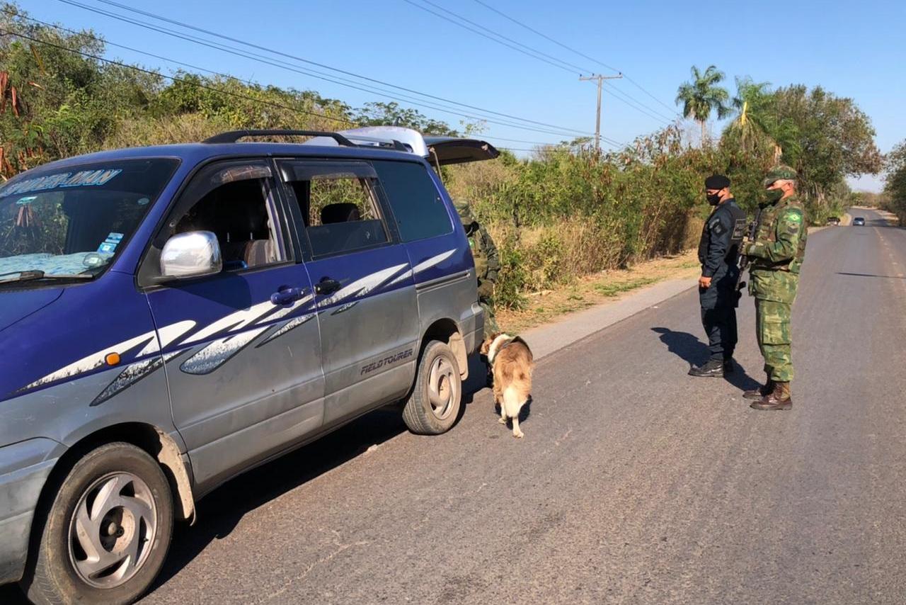 A rodovia estadual de Corumbá também foi ponto de fiscalização.