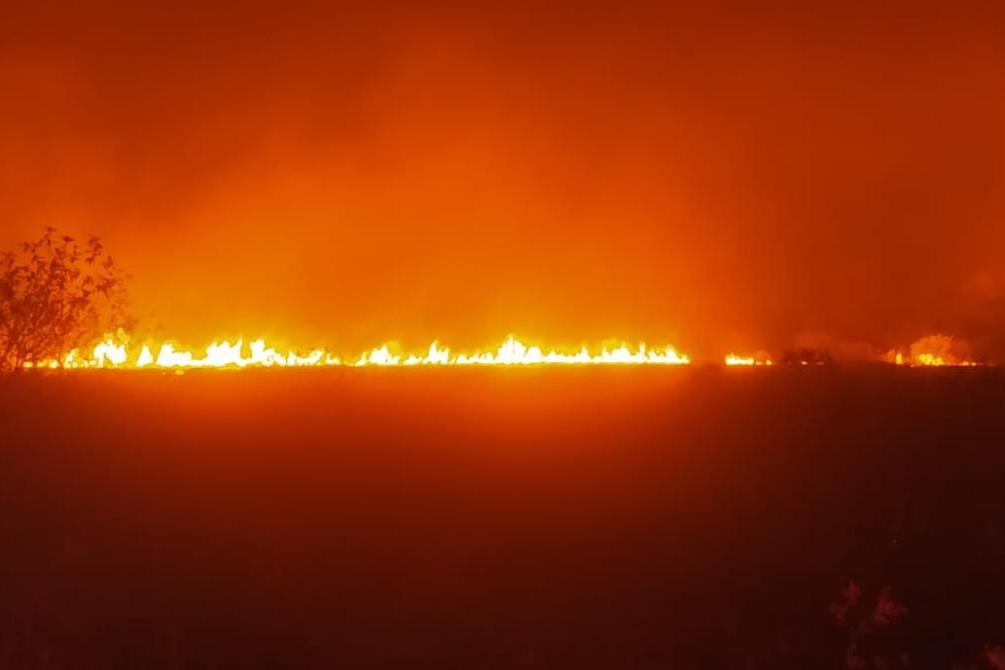 Incêndio em Porto Esperança mobiliza Bombeiros desde o inicio da semana.